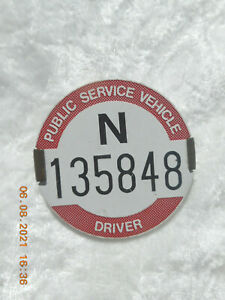 LONDON TRANSPORT  PUBLIC SERVICE VEHICLE DRIVER BADGE    N 135848