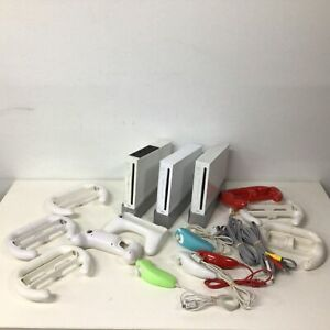 Mixed Lot Of Nintendo Wii Consoles & Accessories No Power Cords #403