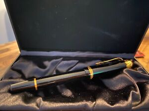 MONTBLANC VOLTAIRE LIMITED EDITION FOUNTAIN PEN