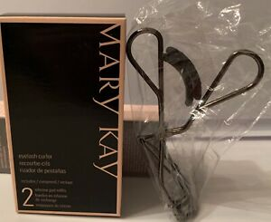 Limited Edition Mary Kay Eyelash Curler With Replacement Pads