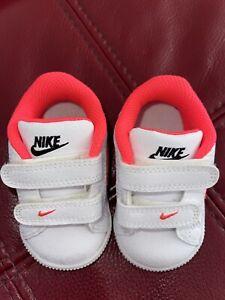 Baby Girl Nike Trainers Uk2.5