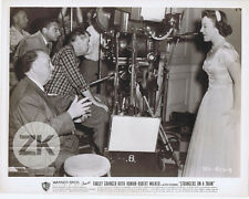 ALFRED HITCHCOCK & LES FEMMES PATRICIA Camera STRANGERS ON A TRAIN Photo 1951 #4