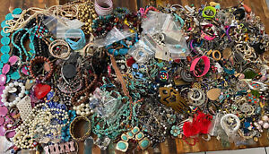 Huge Lot Mod To Vintage Jewelry 20 Pounds! Mixed! Jewelry Makers Dream !
