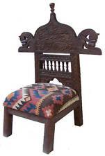 Markenlose Stühle im Antik-Stil fürs Wohnzimmer