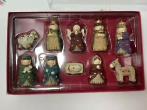 Nativity 9 Piece Set Wearing Knitted Sweater with Buttons Folk Art Christmas New