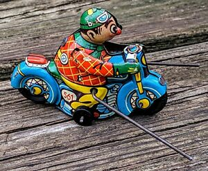 Antique HK Clown Tin Toy Wind-up Motorcycle #561 w/Outriggers 100%Orig *WORKS*