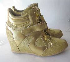 """Gold 3"""" High Wedge Heel Round Toe Ankle Boots Front Strap Size 9"""