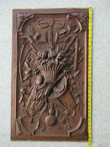 Very large antique motif plate, hand-carved from oak, around 1860.