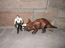 Jurassic Park Dinosaurs 2004 Triceratops with Dino Wrangler (Alan Grant) figures