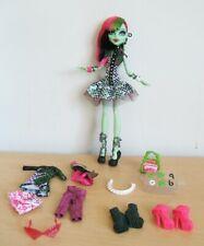 Monster High I Heart Love Fashion Venus McFlytrap Doll