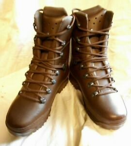 Haix British Army Cold Wet Weather Brown Combat Boots,Size 5 Med