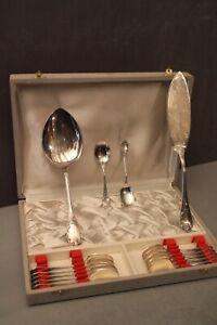 Service à glace pelles cuillères en métal argenté signé Christofle décor Marly