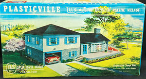 Plasticville USA: Split Level Home 1908-198 Vintage O Scale S Gauge Vintage