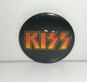 KISS 1976 AUCOIN MANAGEMENT INC.  3''  HOTLINE VINTAGE LOGO PINBACK BUTTON