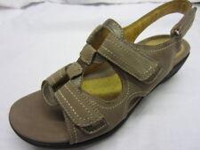 Sandalias y chanclas de mujer Clarks color principal gris