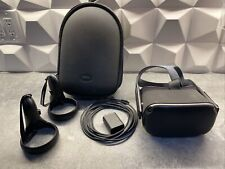 Oculus Quest v1 64GB VR Headset includes protective CASE