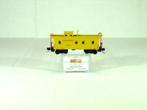 MICRO TRAINS LINE N SCALE 34' WOOD SHEATHED CABOOSE W/CUPOLA UP 05000101