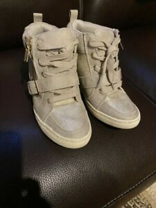 JLO Wedge Sneakers Jennifer Lopez Wedge Taupe Sneakers Size 8M