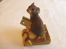 AYNSLEY MASTERCRAFT MOUSE SITTING ON HINGE WITH SCREWS 1985 EXCELLENT CONDITION