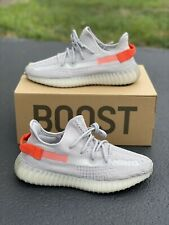 Yeezy Boost 350 V2 Tailight - DS Size 9