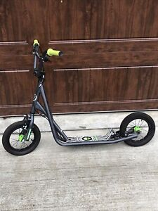 """Mongoose R6174 Kids Kick SCOOTER, 12"""" Inflatable Tires BMX Scooter"""