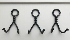 3 Double Door/Robe Hooks Circle Twist