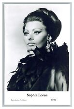 Sophia Loren (C) Swiftsure Postcard year 2000 modern print 20/32 glamour photo