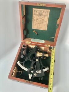 BRASS/BRONZE SEXTANT— HUSUN NO. 44125 BY H. HUGHES & SON LTD, LONDON, 1944 WWII