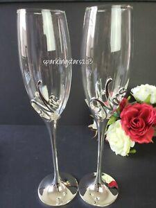 2 Piece Set Elegant Wedding Champagne Toasting Flutes Mr and Mrs Glass Set