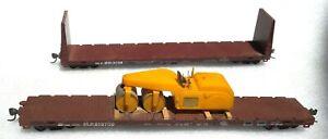 Missouri Pacific Flat Car with Load + Bulkhead Flat Car - HO Scale