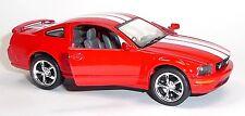 Nouveau: 2006 FORD MUSTANG GT rouge modèle de collection 1:38 Environ 12,5 cm article neuf V. Kinsmart