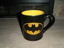 BATMAN GOLD GLITTER THE BAT SIGNAL BLACK YELLOW INSIDE COFFEE CUP MUG DC COMICS!