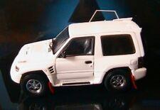 MITSUBISHI PAJERO EVOLUTION WHITE 2 DOORS AUTOART 57201 1/43 3 PORTES BLANCHES