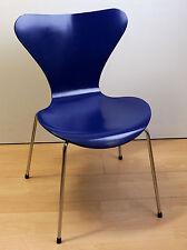 Fritz Hansen Arne Jacobsen 3107 dunkelblau