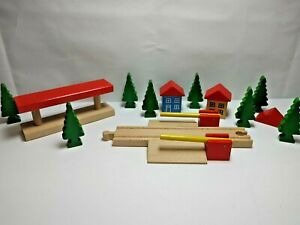 Vintage Brio Wood Crossroad Trees Station Houses Accessory Lot Painted