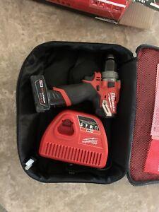 Milwaukee 2504-21 M12 FUEL 1/2'' Hammer Drill / Driver Kit 12V Brand NEW SEALED