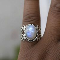 Mujeres Boho tibetano Sterling Silver Gema natural Oval Rainbow Moonstone Ring