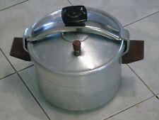 ancienne cocotte minute SEB alu 8 litres basse série K, joint à changer