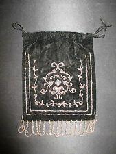 ancienne aumônière bourse à décors de fleurs en perles d'acier XIX ème