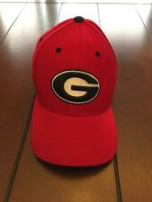 TOP OF THE WORLD GEORGIA BULLDOGS RED MEMORY FITTED HAT SIZE MEDIUM 7/1/4 NEW