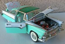 Road Tough - Ford Fairlane Crown Victoria 1955 - Scale 1:18 - Die-Cast # 92138
