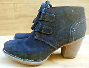 CLARKS artisan Soft Blue Suede Leather Ankle Cowboy Boots Size 5.5 39 Lace up