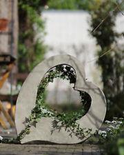 """Pflanzherz """"AMOR"""" Steinguss antik Pflanzbehälter Gartendeko Skulptur Herz"""