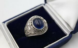 OLD LONDON UNIVERSITY SOLID SILVER AND BLUE CABOCHON STONE GRADUATION RING.