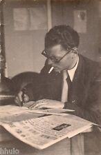 BJ964 Carte Photo vintage card RPPC Homme écrivain lecture cigarette fumeur