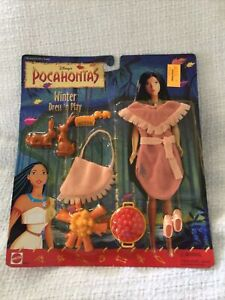 Disney Pocahontas Winter Dress'n Play Doll Outfit Accessories NIP