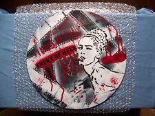 """ SHARON STONE "", Spliff Gâchette, stencil, graffiti, art  urbain, pochoir"