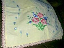 """Vintage Hand-Embroidered/Crocheted Dresser Scarf Yellow Floral 38 x 16"""""""
