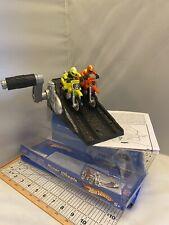 2002 Hot Wheels Hyper Wheels Dual Motorcycle Ramp Launcher Yellow/Orange Riders