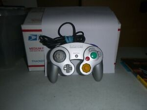 Nintendo  Gamecube Controller - Silver--DOL-003--Cleaned and tested